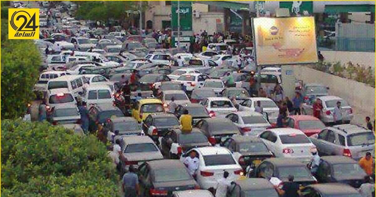 رغم نفي «البريقة للنفط».. شهود عيان: طوابير الوقود في طرابلس تصل إلى كيلو مترات