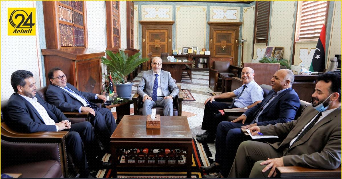 """الكبير والقيب يناقشان ملف دراسة """"الطلبة الليبيين بالخارج"""""""