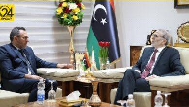 """""""صنع الله"""" يبحث مع ممثل برنامج الأمم المتحدة للبيئة التعاون في مجالات الطاقات المتجددة"""