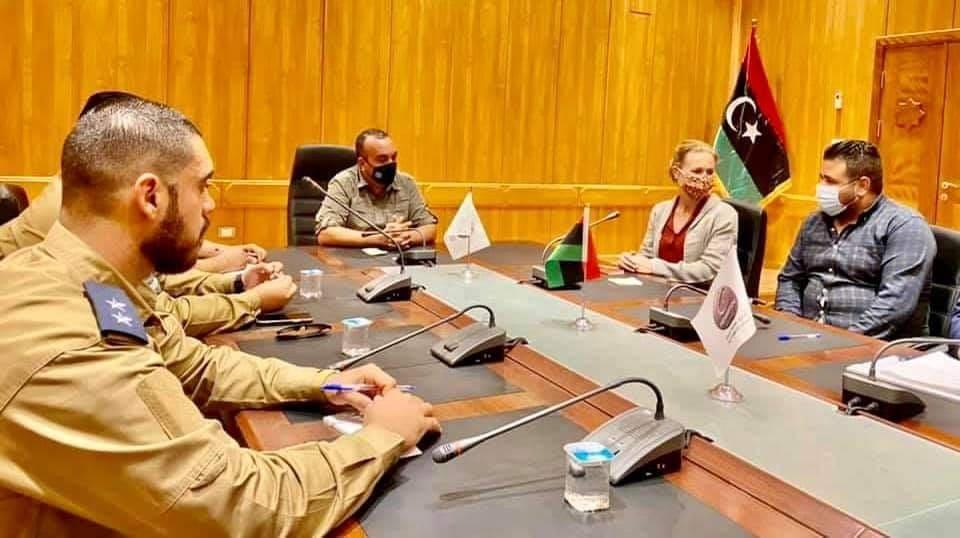 القائم بأعمال سفارة هولندا يبحث مع وزارة الداخلية كيفية تأمين دبلوماسيي بلاده في ليبيا