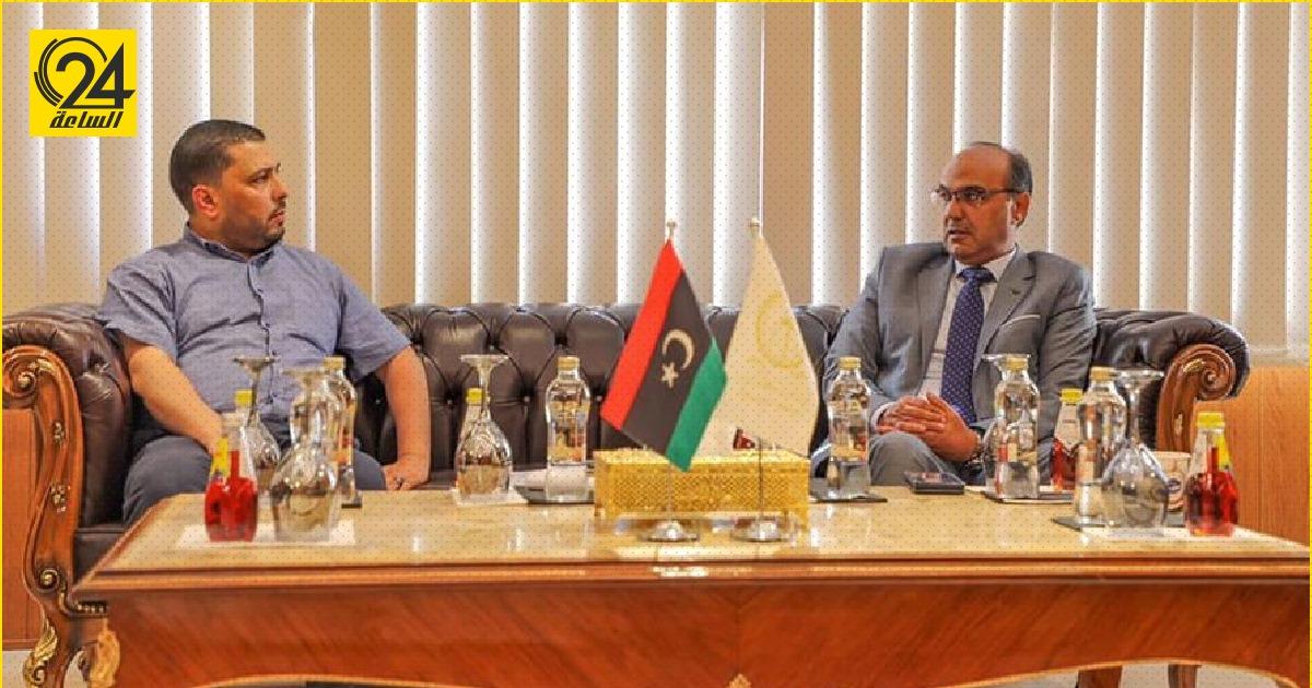 بلدية بنغازي ووزارة الإسكان يبحثان المشاريع الطارئة المُزمع تنفيذها