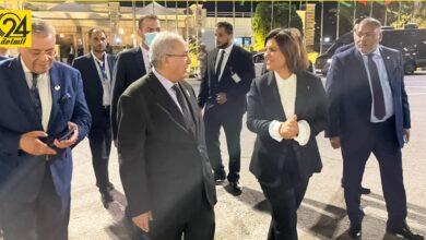 المنقوش تودع وزراء خارجية 5 دول في مطار معيتيقة